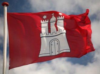 Hamburg Flagge im Wind